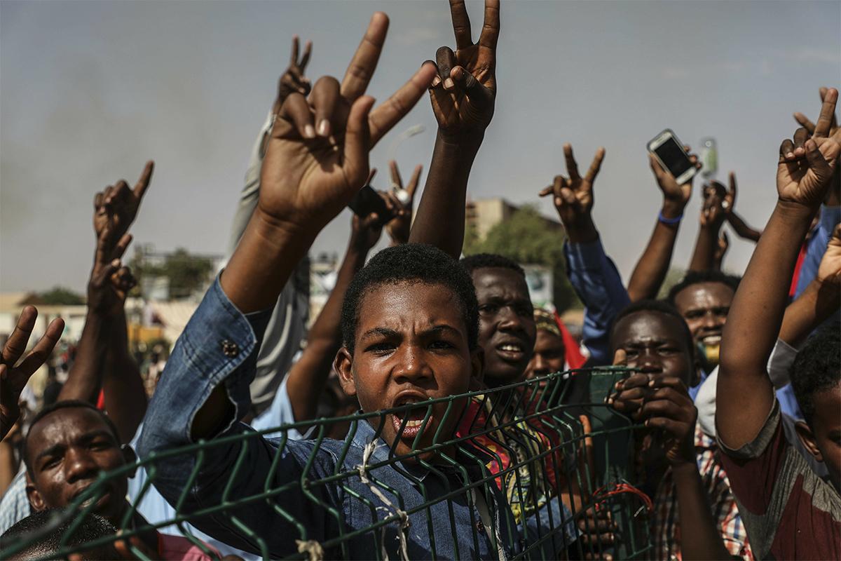 圖/蘇丹首都喀土木的示威抗議群眾。(AP/達志影像)