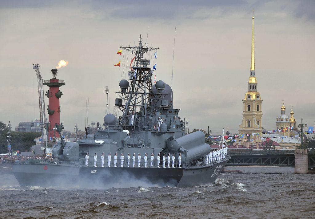 圖/每年七月最後一個星期日是俄羅斯海軍節,當天於聖彼德堡開放波羅的海艦隊供民眾參觀(REUTERS / Sputnik Photo Agency/ 達志影像)